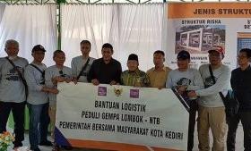 Mas Abu Kunjungi Korban Gempa di Lombok